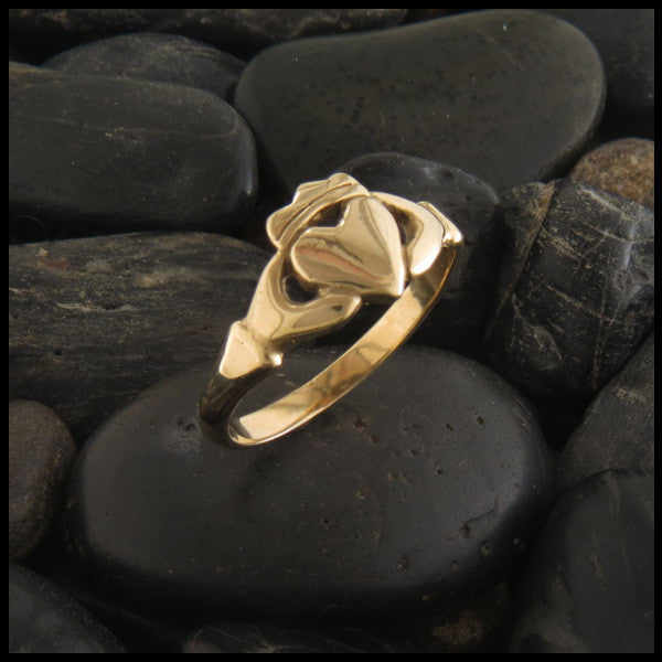 Simple Celtic Claddagh Ring in 14K Gold
