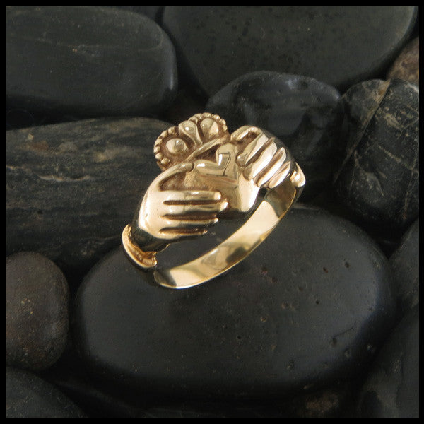 Rounded Claddagh Ring in Gold