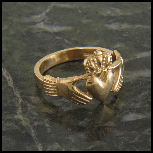 Traditional Claddagh Celtic Ring in 14K Gold