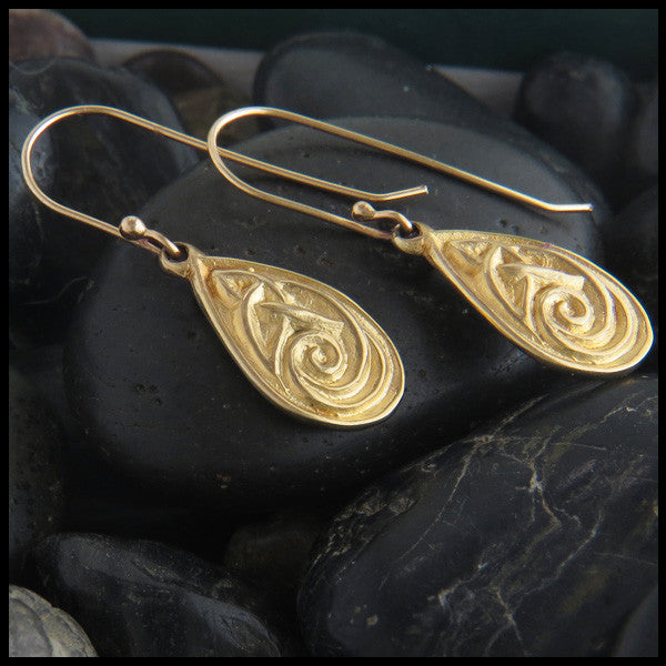 Triquetra teardop earrings in 14K Gold