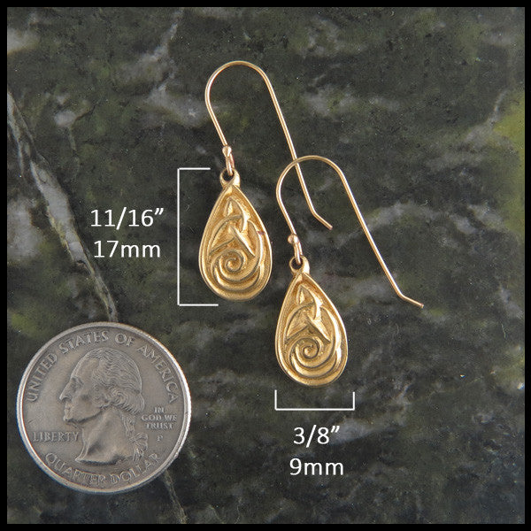 Triquetra tear drop earrings in Gold