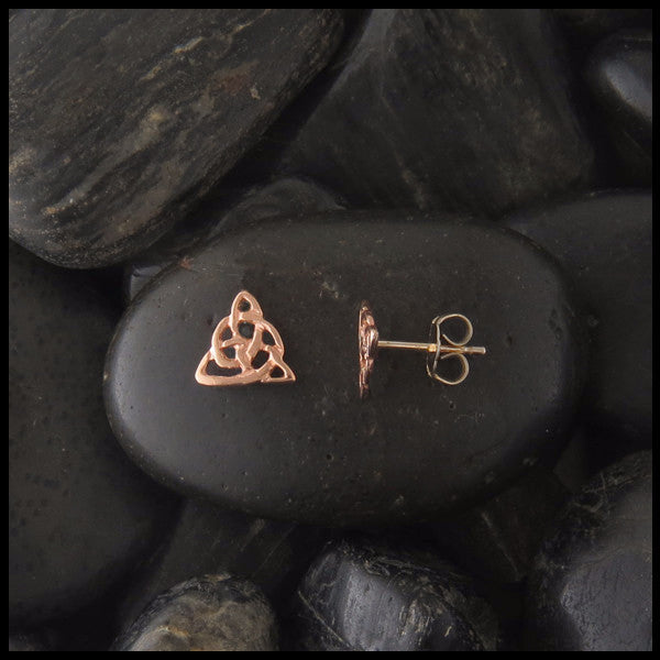 Dainty triquetra post earrings in Gold