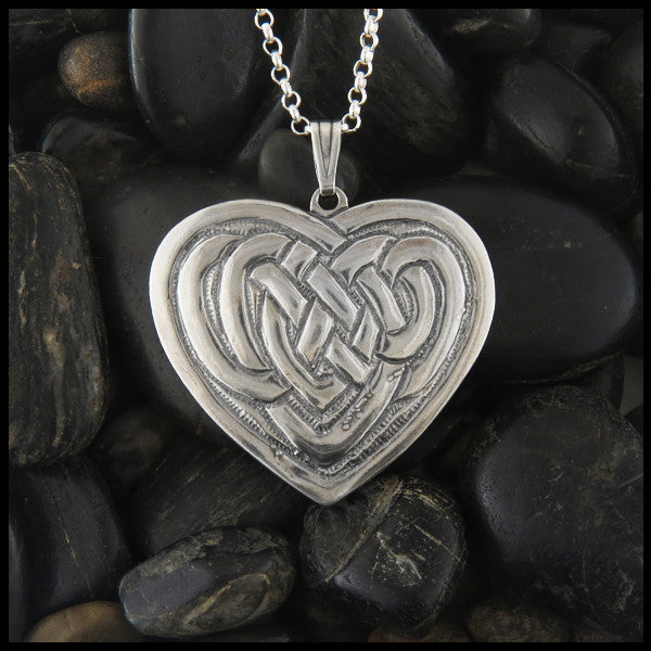 Heart Knot pendant in Sterling Silver