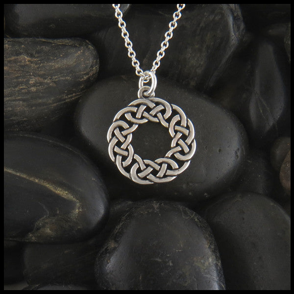 Lover's Knot Celtic pendant in Sterling Silver