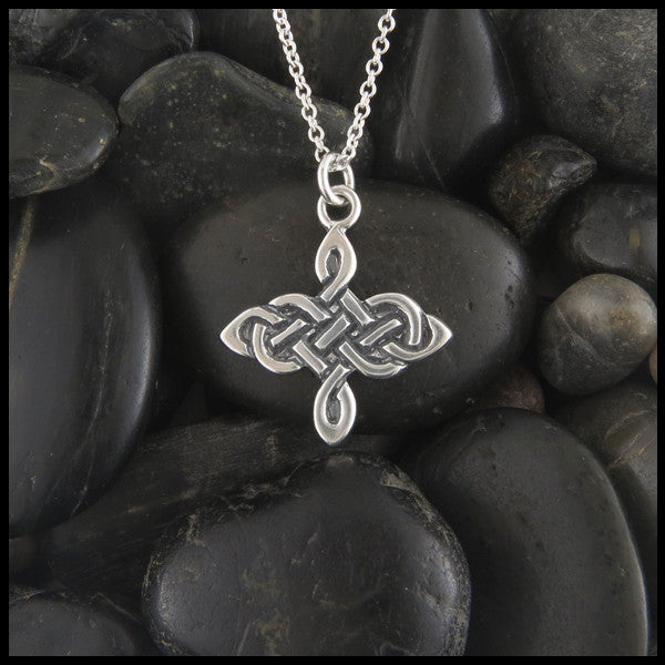 Unique Celtic Knot pendant in Sterling Silver