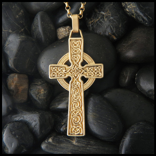 Detailed Celtic Cross in 14K Gold