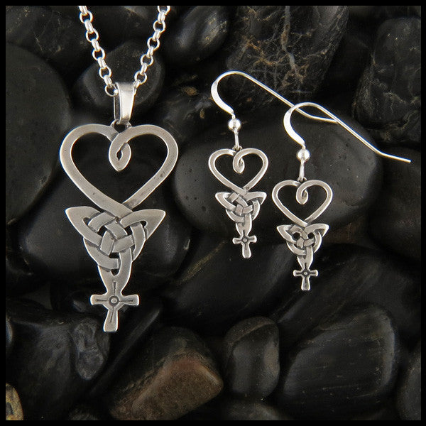An Teor, The Three, Celtic Pendant and earring set in Sterling Silver