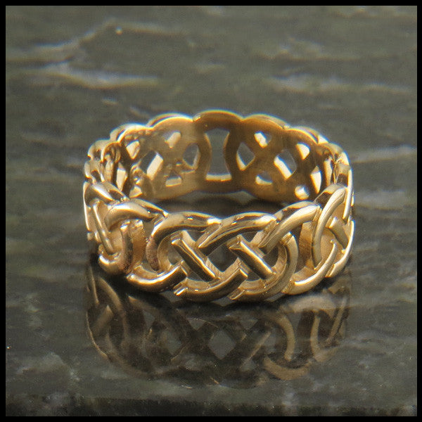 Open Josephine's Knot, Lover's Knot Celtic Ring Band in 14K Gold