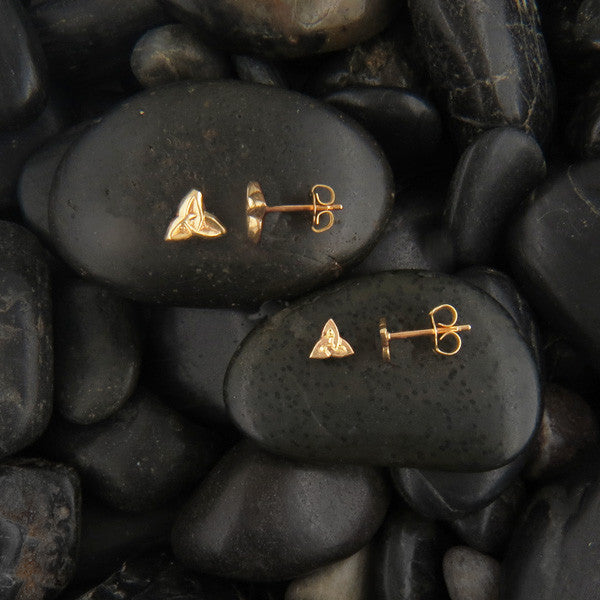Walker Metalsmiths Small Triquetra post earrings in Gold