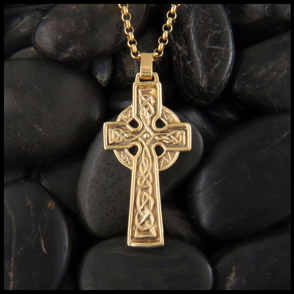 Traditional Celtic Cross in 14K Gold