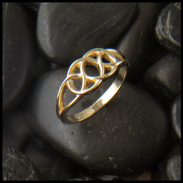 Josephine's Knot, Lover's Knot, Ring in 14K Gold with Diamond