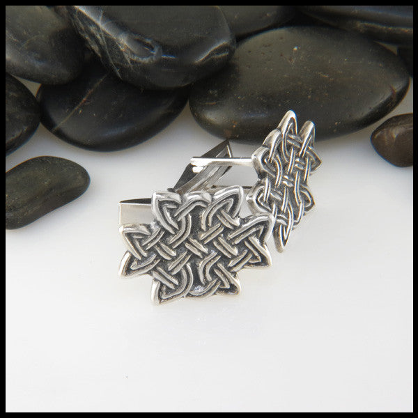 Celtic knot cuff link in Sterling Silver