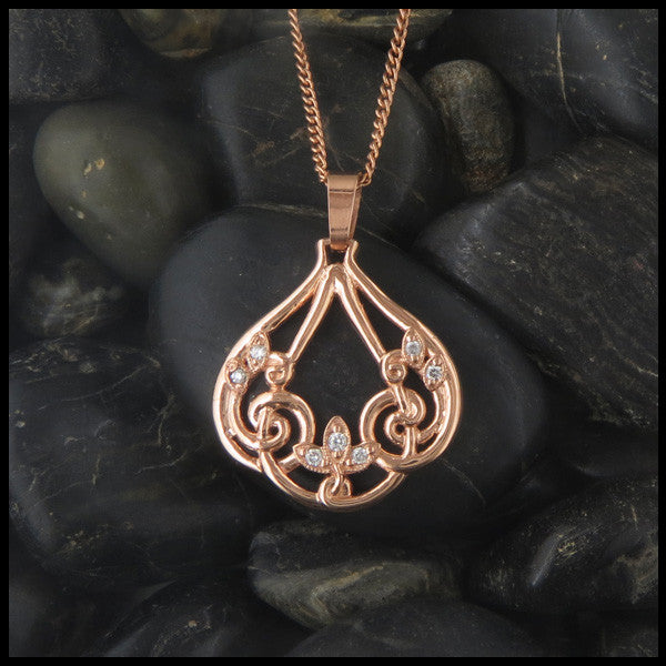 Filigree pendant in 14K Yellow, Rose or White Gold with Diamonds
