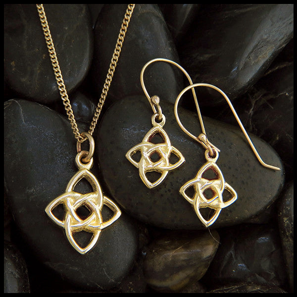 Starlight Knot Pendant and Earring Set in Gold