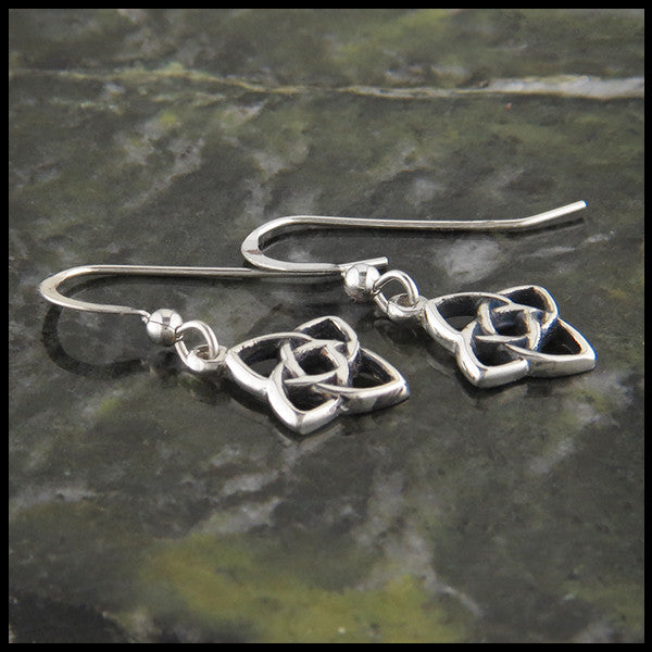 http://www.walkerscelticjewelry.com/products/starlight-knot-pendant-and-earring-set-in-goldCeltic Knot drop earrings in Sterling Silver