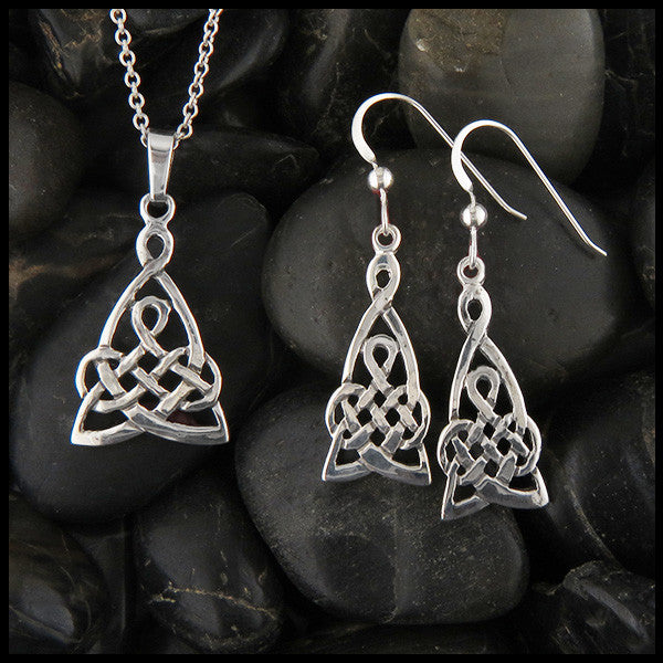 Mother's Knot Pendant and Earring Set