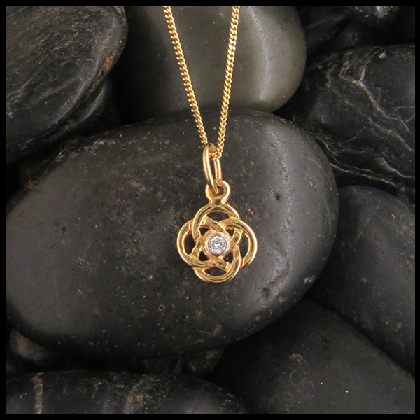 Dainty Josephine's Knot Pendant in Gold with Diamond