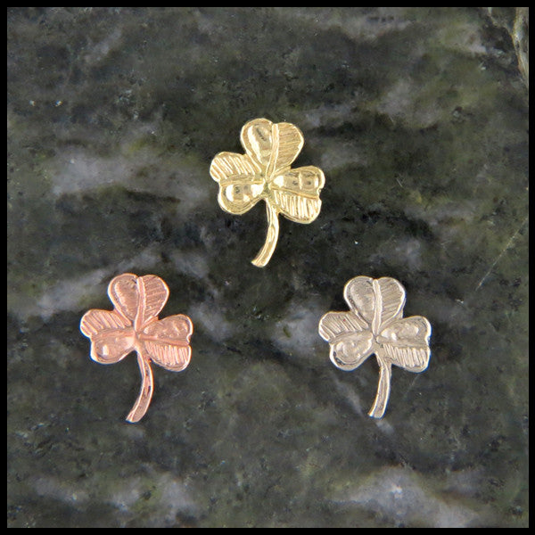 Shamrock post earrings in 14K Gold