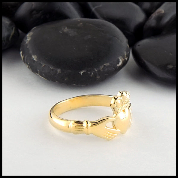 Profile view of Heritage Claddagh Ring in Gold