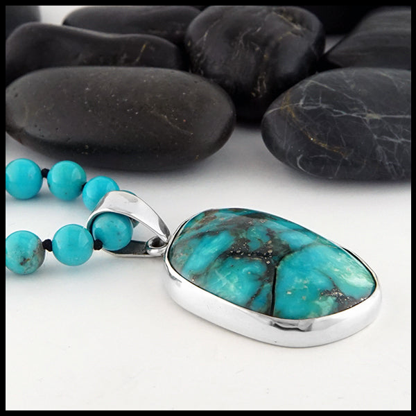 Profile view of Turquoise Beaded Necklace