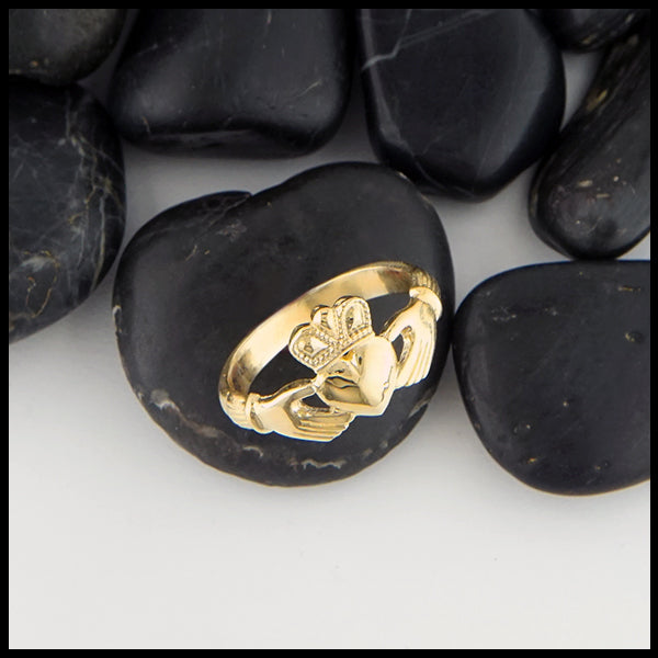 Overhead view Heritage Claddagh Ring in Gold