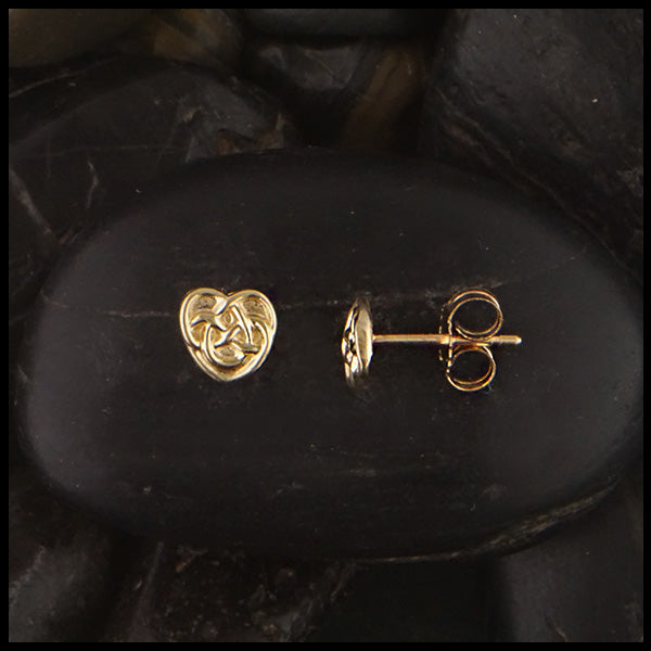 Robins Heart Post Earrings in 14K Gold