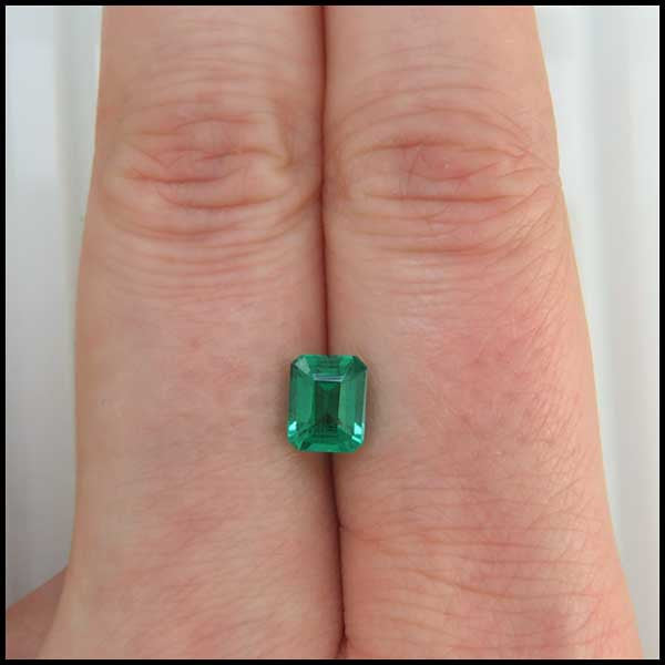 st   1.27ct Emerald cut Emerald