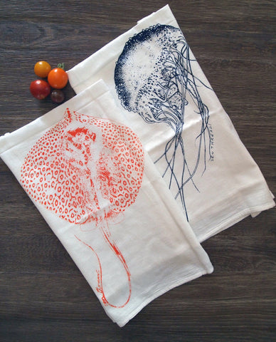 Towel Set of 2 - Jellyfish & Stingray - Multi-Purpose Flour Sack Bar Towels - Renewable Natural Cotton - Zen Threads