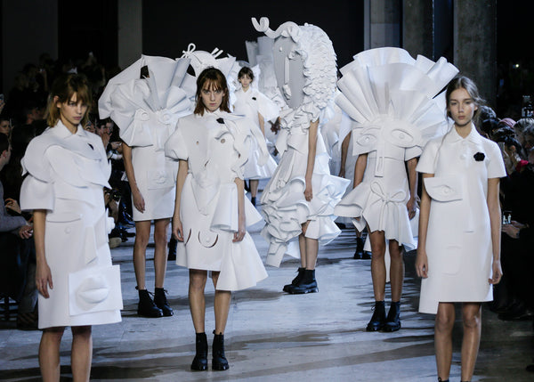 ss16 catwalk viktor and rolf ruffle and frill trend fashion edit