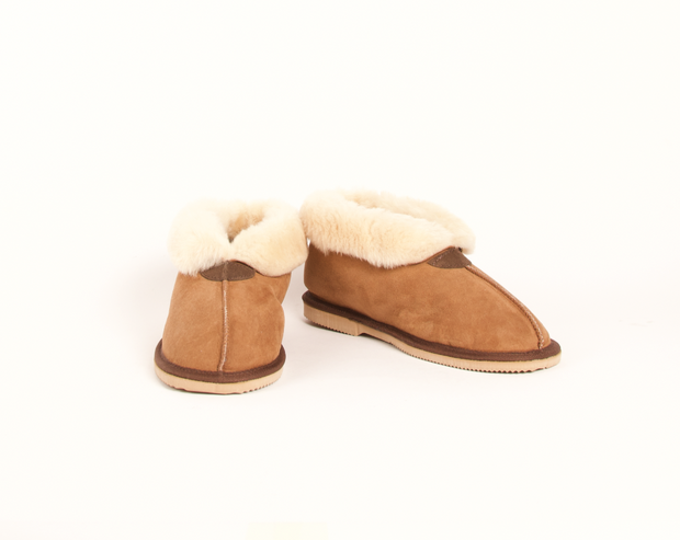 Aussie Uggs Jumbuck Slipper - Easy slip-on design, wide foot opening. Genuine double face sheepskin. Durable rubber/EVA hard-sole. Handmade in Australia