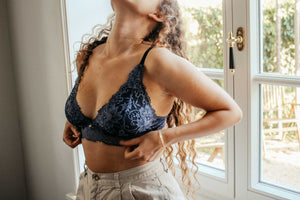 Bralette Cleo in midnight blue & black