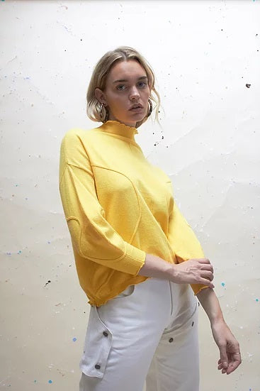 EXCLUSIVE VOLUME JUMPER - MARIGOLD