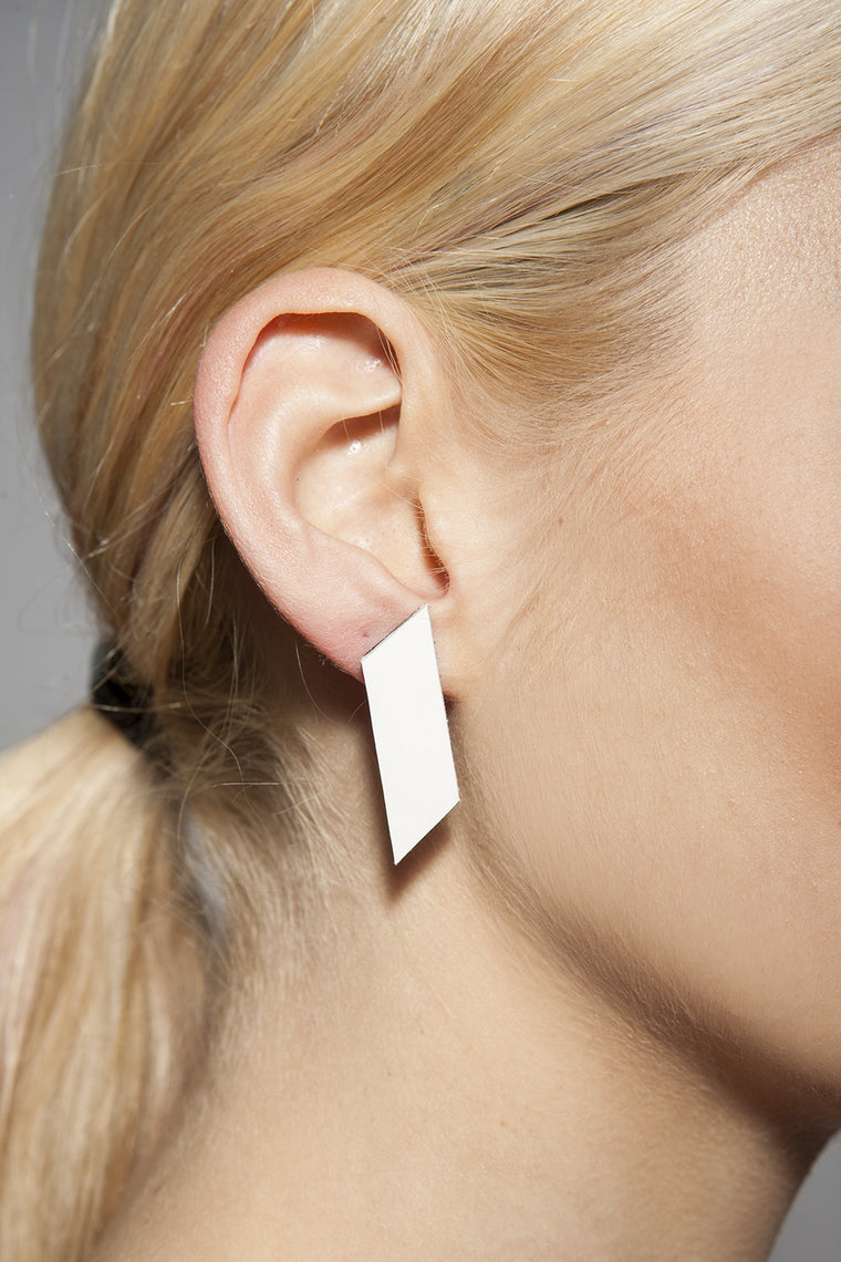 AUMORFIA - POLYGONS MONO EARRINGS WHITE - Jewellery - Ozon Boutique - 1