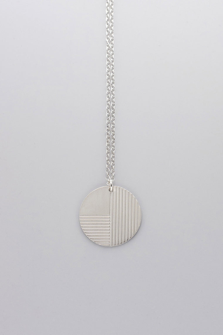 MOODLIKEME - PLATE NECKLACE - Unisex Jewellery - Ozon Boutique - 1
