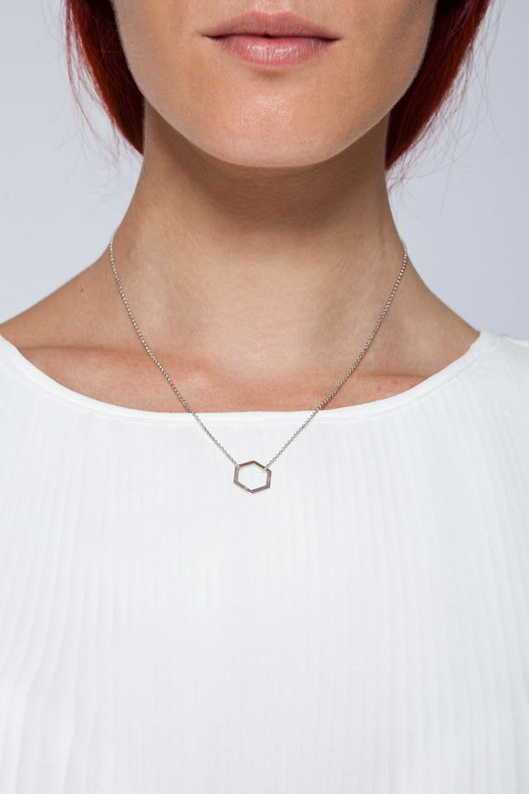 MOUTSATSOS - SHORT SILVER GEOMETRY NECKLACE WITH SILVER MOTIF - Jewellery - Ozon Boutique