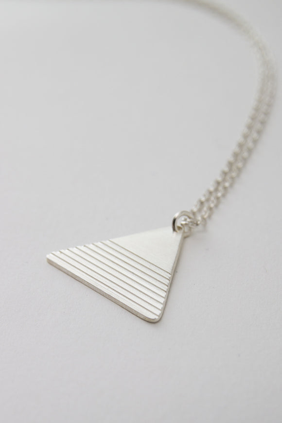MOODLIKEME - PYRAMID NECKLACE - Unisex Jewellery - Ozon Boutique - 1