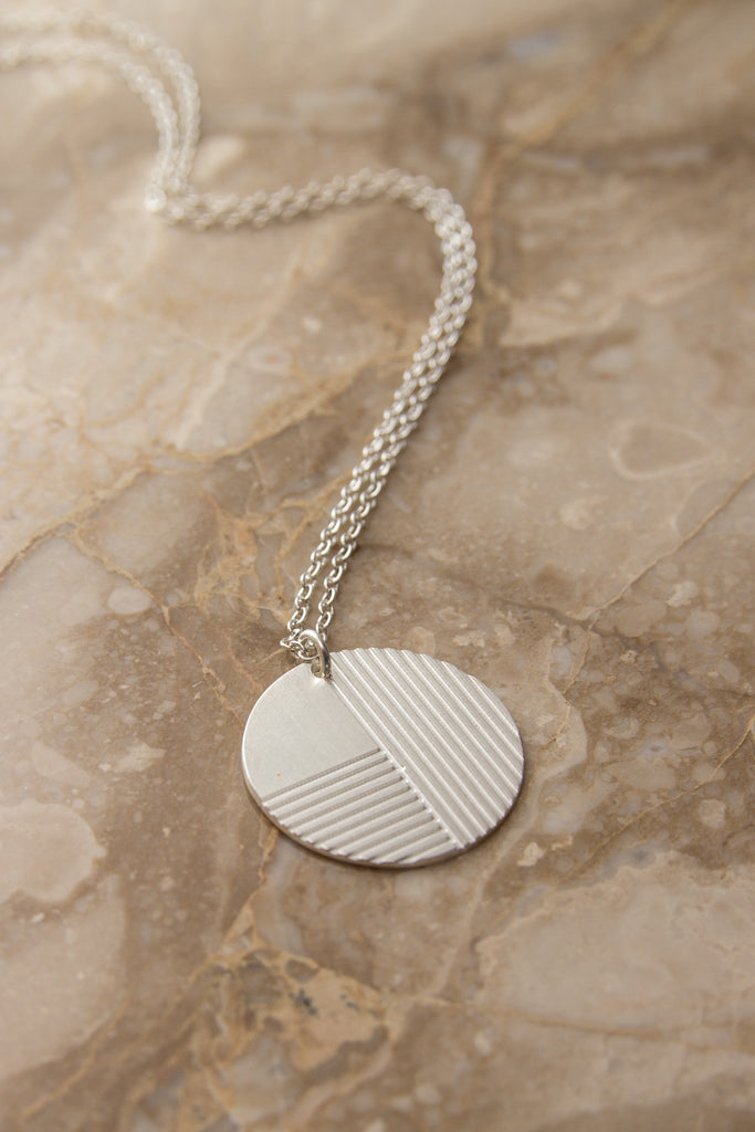 MOODLIKEME - PLATE NECKLACE - Unisex Jewellery - Ozon Boutique - 3