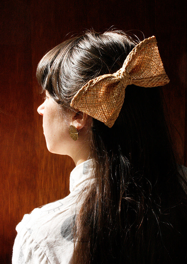 Barrette Primerose par Heirloom Hats, paille
