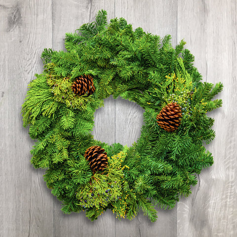 evergreen wreath holiday