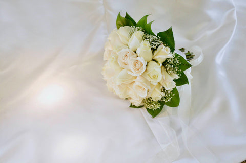 white rose meaning purity