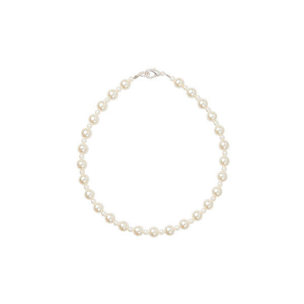 Pearl choker statement necklace