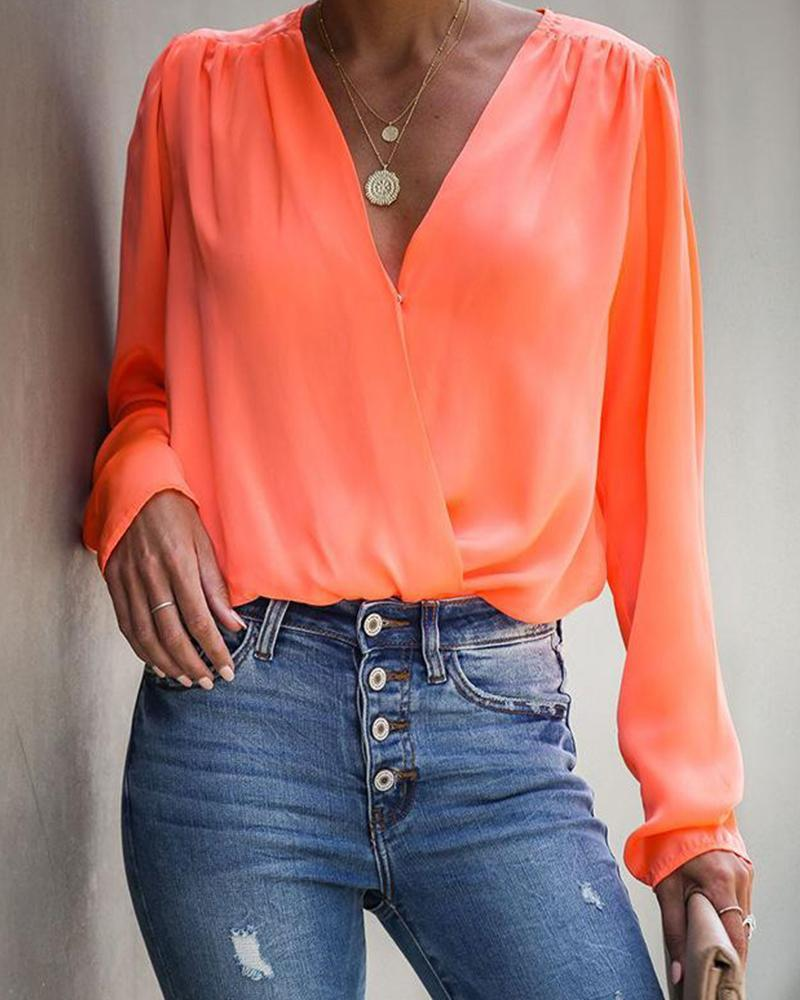 Solid V Neck Ruched Top
