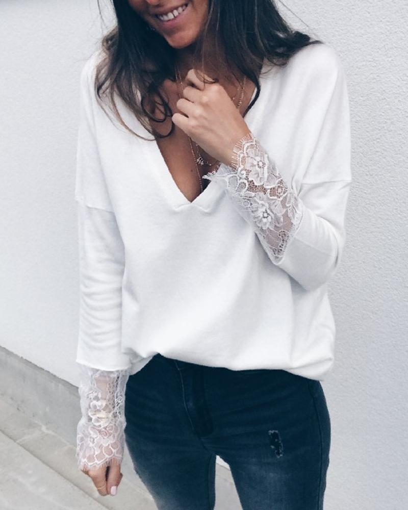 Outlet26 V-Neck Lace Detail Cuff Top white