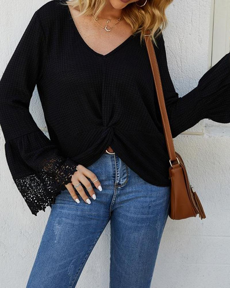 Outlet26 V Neck Lace Cuff Top black