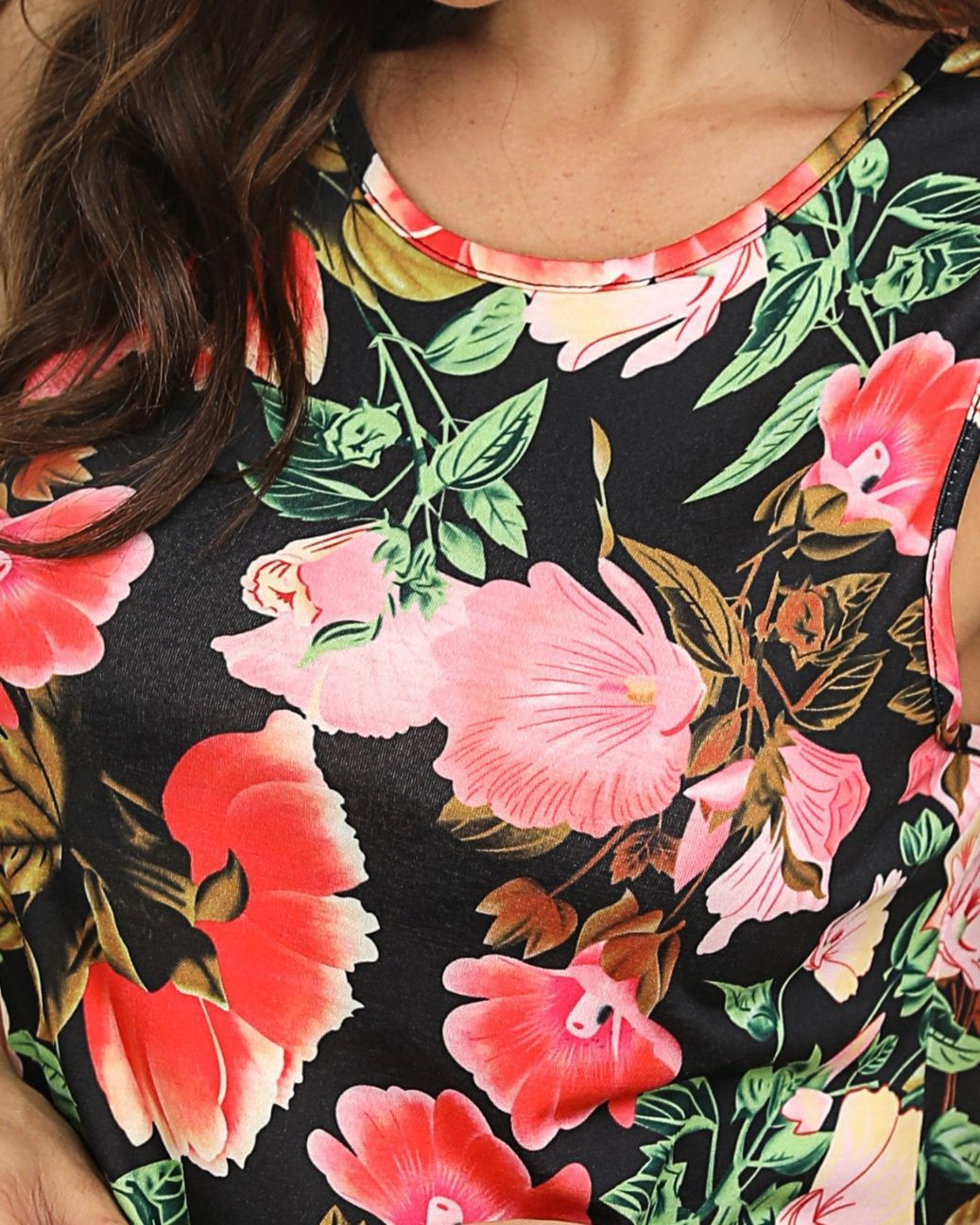 Sleeveless Floral Round Neck Top
