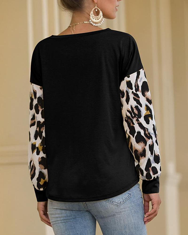 Round Neck Contrast Leopard Top