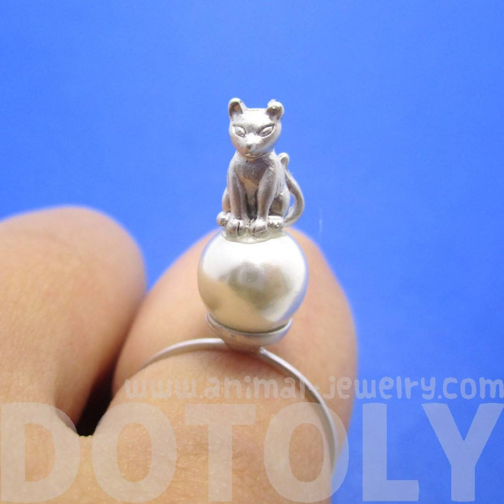 Kitty Cat Shaped Animal Ring on A Pearl Bead in Silver