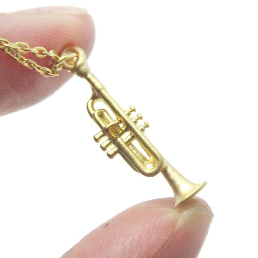 3D Realistic Trumpet Shaped Pendant Necklace in Gold