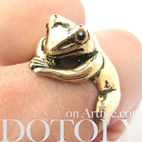 Frog Toad Animal Wrap Around Hug Ring in Shiny Gold - Size 4 to 9 Available | DOTOLY