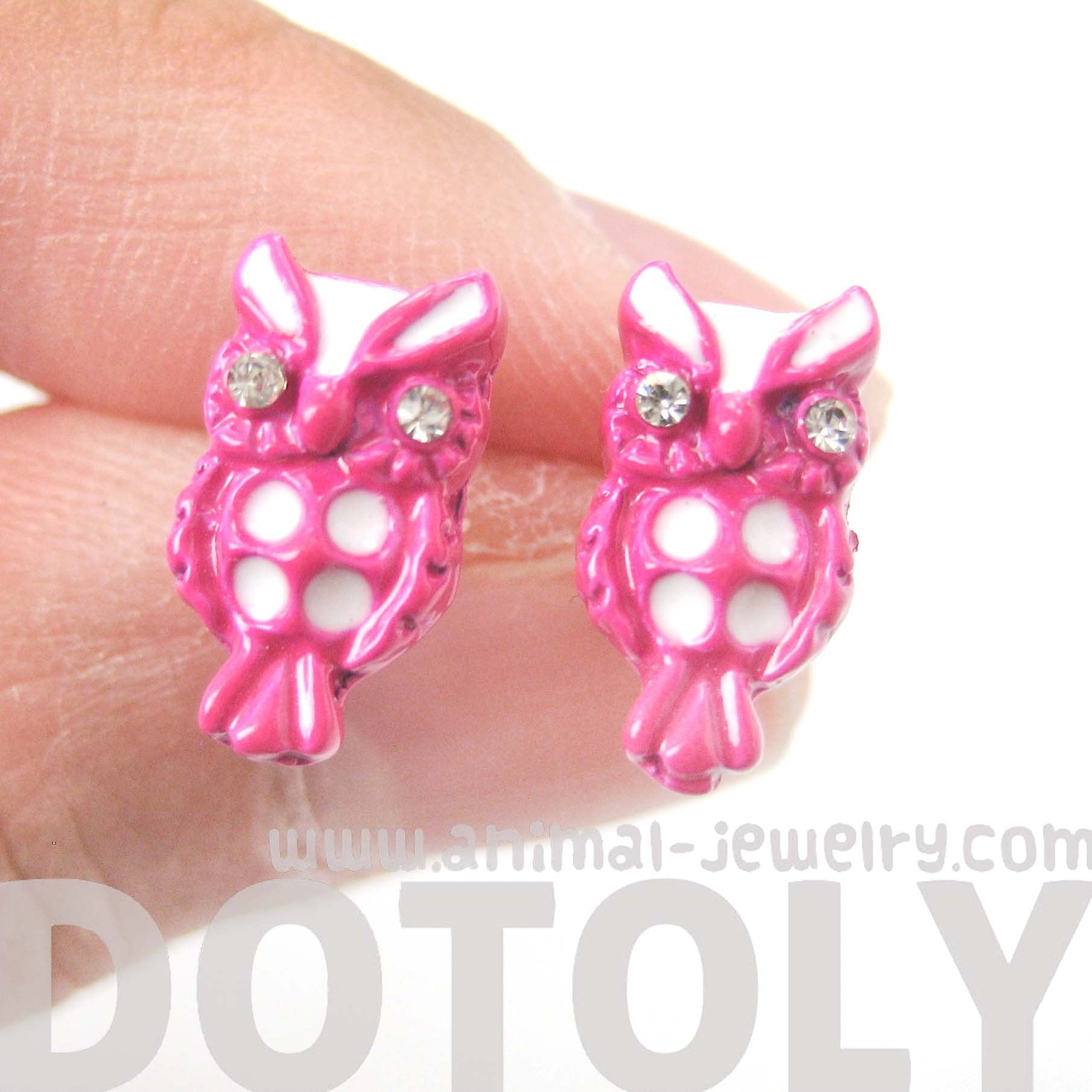 owl-bird-shaped-stud-earrings-in-pink-and-white-animal-jewelry